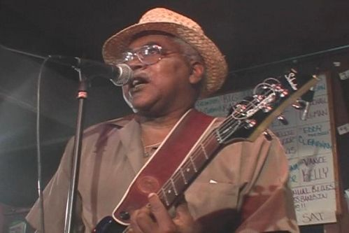 Jimmy Burns - Live At B.L.U.E.S.(2007)  DVD5